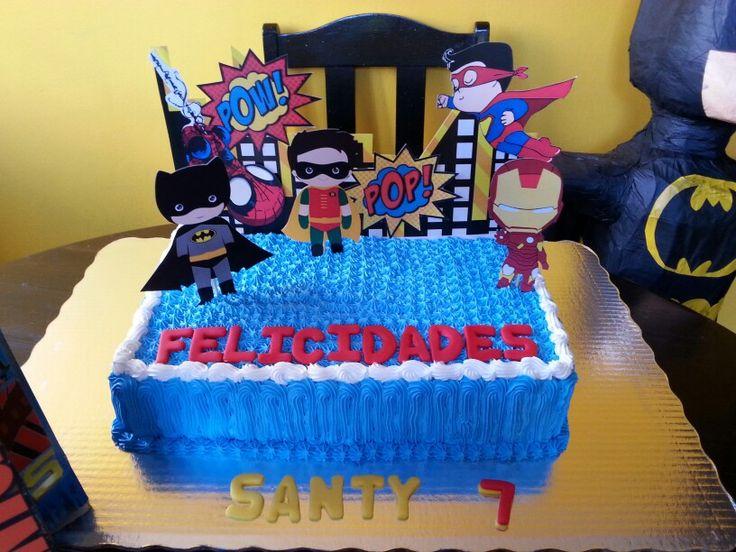 Cake superheroes. Pan de chocolate relleno de platano y cajeta