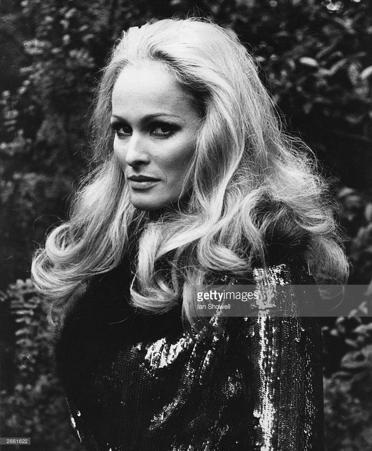 Ursula Andress, photographed in London, during the filming of 'Perfect Friday' (845×1024)
