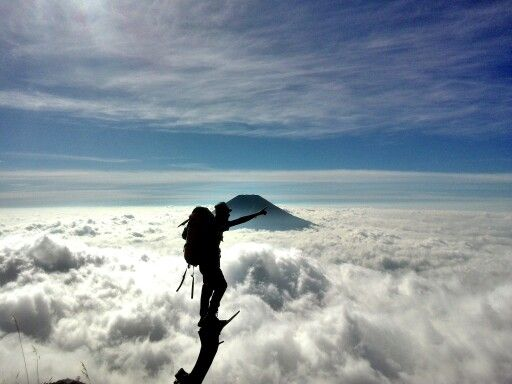 Samudera awan gunung Sumbing