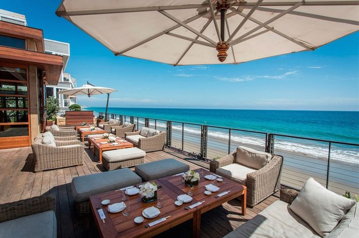 When you're looking to grab a bite by ocean in Los Angeles where should you go? Try one of these 16 beachside dining spots perfect for your next summer dining excursion!