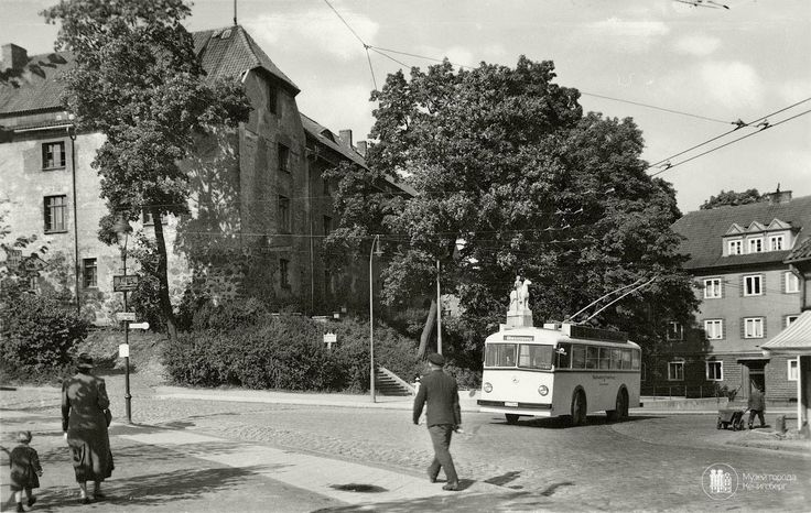 Insterburg. Trolleybus at the Castle. Photo OK. 1937 year.