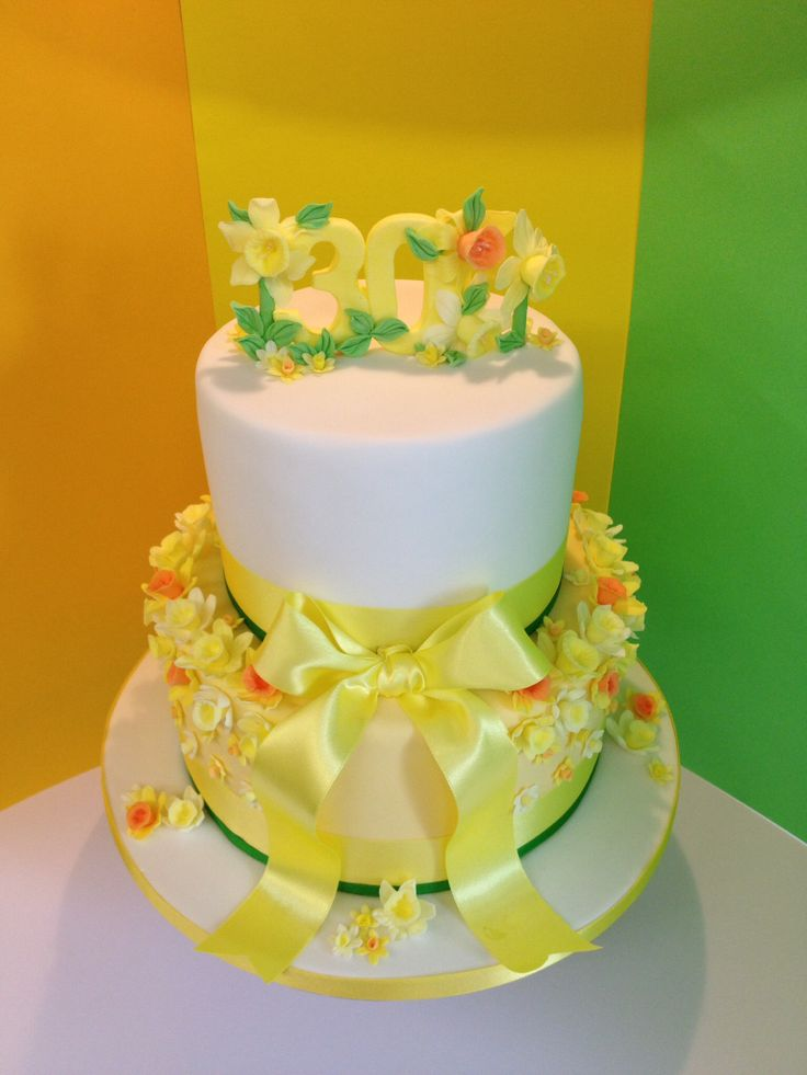 Daffodil Decorated Cakes
