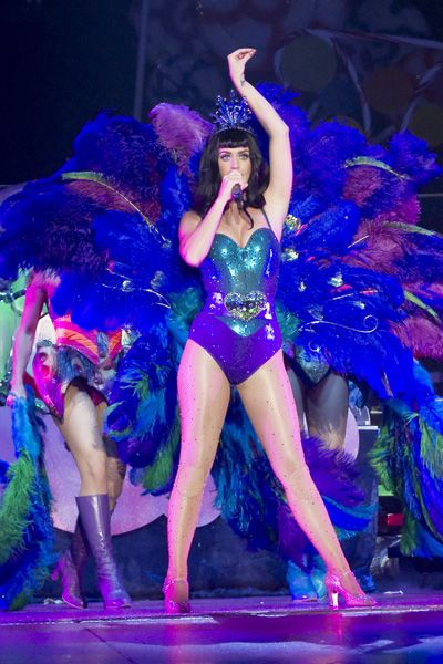 Check out Katy Perrys crazy costumes for California Dreams Tour: Peacock Costume, Costumes, Peacocks, Celebrity Katyperry, California Dreams, Peacock Katyperry