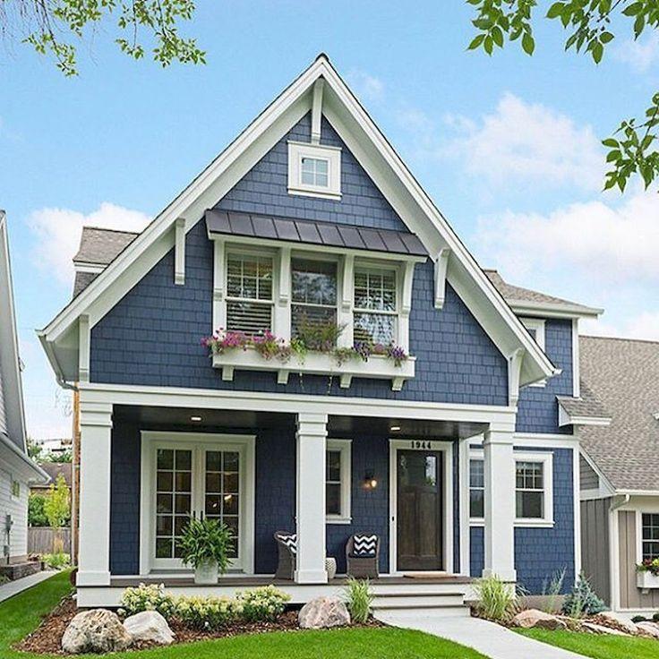 Cool 90 Modern American Farmhouse Exterior Landscaping Design https://livingmarch.com/90-modern-american-farmhouse-exterior-landscaping-design/