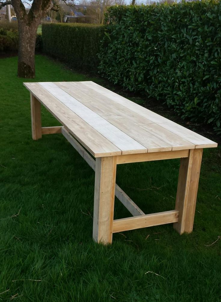 Foto: Tuintafel (type kloostertafel) gemaakt van gebruikt steigerhout. Deze tafel is 1 mtr breed (5 planken) en 3 mtr lang.. Geplaatst door Borretje op Welke.nl