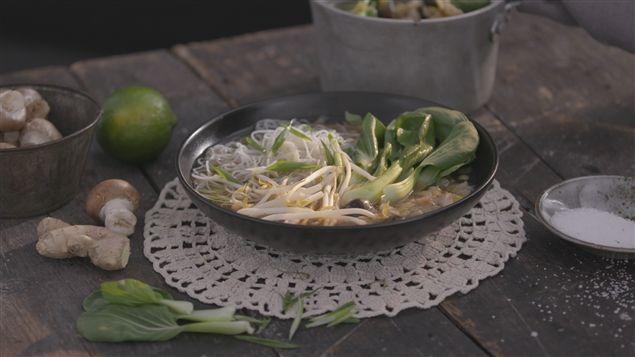 Soupe-repas au poisson blanc et aux nouilles de riz