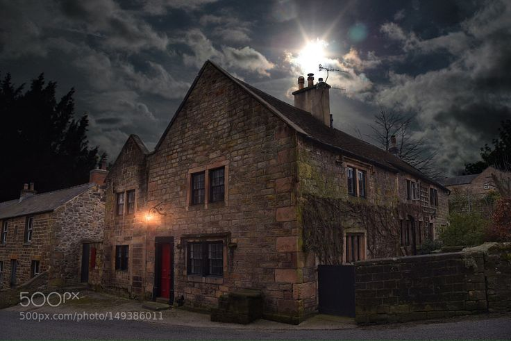 House at Matlock by GordonTweedale #architecture #building #architexture #city #buildings #skyscraper #urban #design #minimal #cities #town #street #art #arts #architecturelovers #abstract #photooftheday #amazing #picoftheday