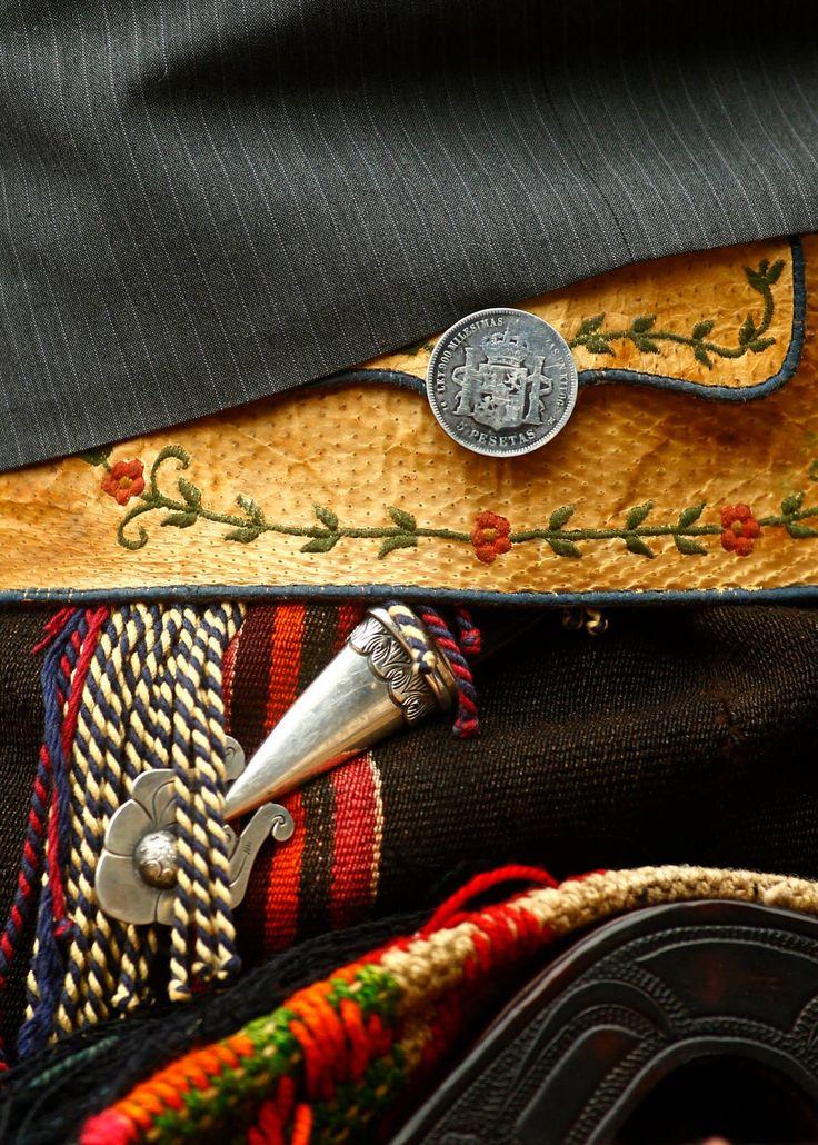 gaucho style, Rastra y facón