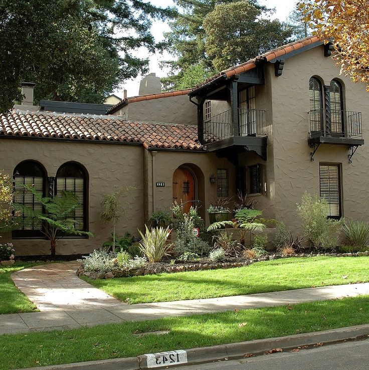 Sherwin Williams Tony Taupe Exterior Exterior Traditional