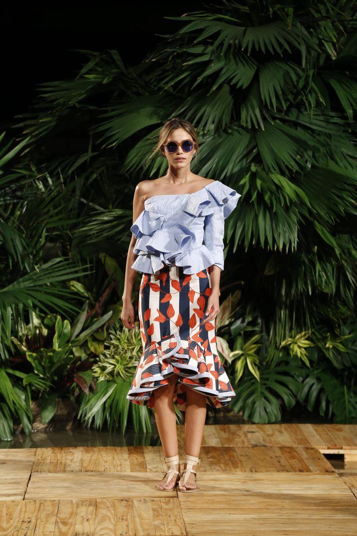 Pasarela Johanna Ortiz #Colombiamoda2016 #pasarela #moda #look #diseñadora