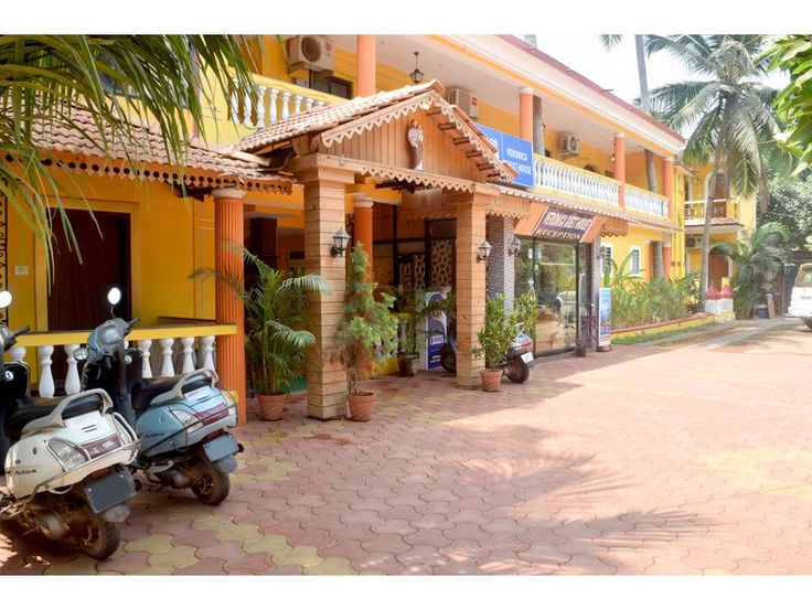 Goa Veronica Guest House India, Asia Located in Calangute, Veronica Guest House is a perfect starting point from which to explore Goa. Offering a variety of facilities and services, the hotel provides all you need for a good night's sleep. Free Wi-Fi in all rooms, daily housekeeping, photocopying, printer, taxi service are on the list of things guests can enjoy. Each guestroom is elegantly furnished and equipped with handy amenities. To enhance guests' stay, the hotel offers r...