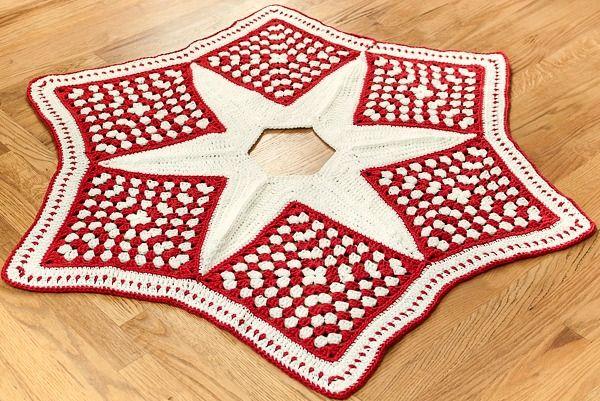 Crochet Christmas Tree Skirt ... free pattern #crochet #Christmas