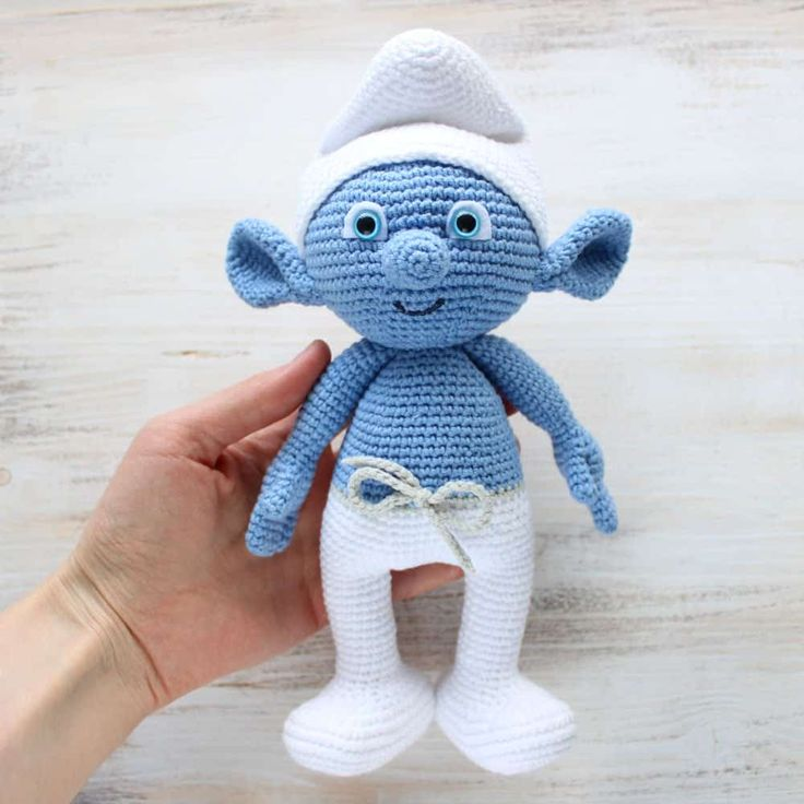 Hug a Smurf today! Make your own crochet Smurf using our free amigurumi pattern! The crochet Smurf is about 26 cm tall.