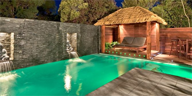 17 best images about bali huts on pinterest good books for Construction pool house piscine