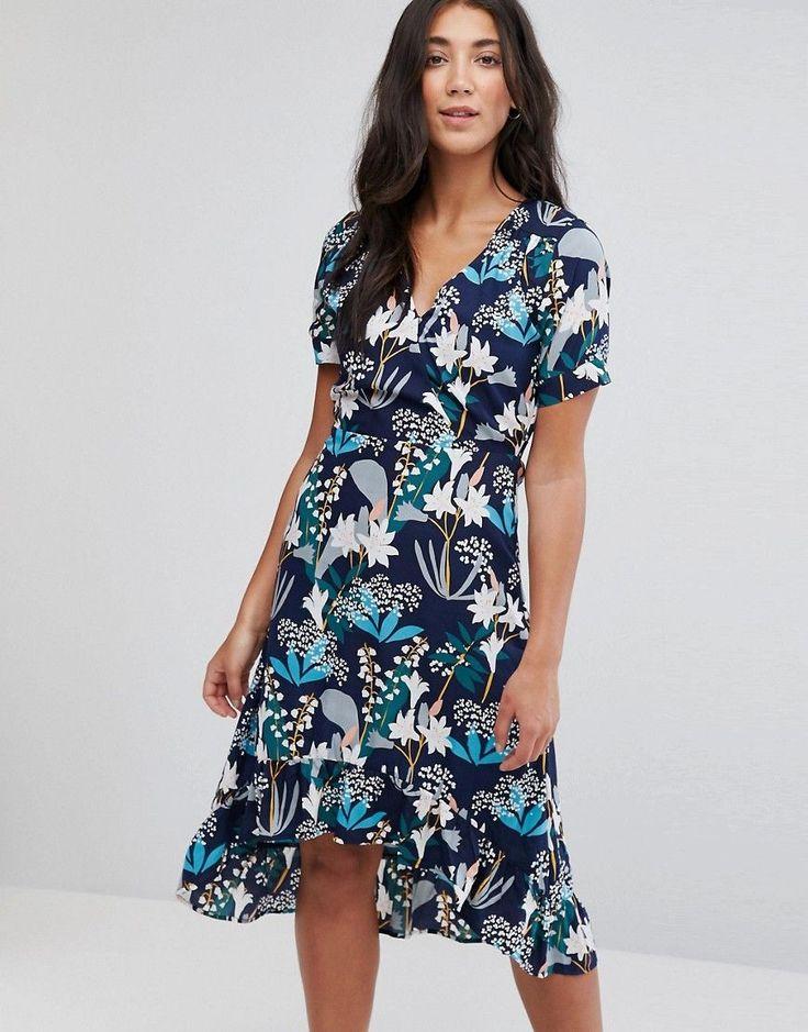 Yumi Dip Hem Midi Dress In Starburst Floral Print - Black