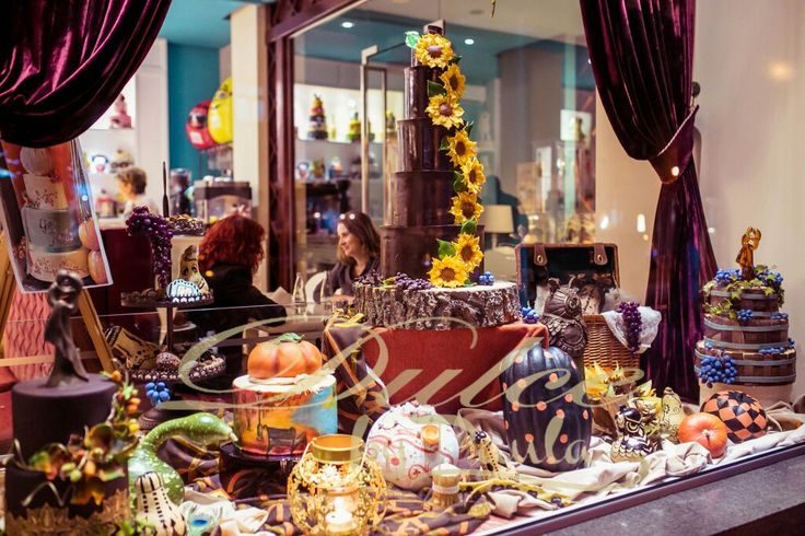 Dulce by Paula autumn shop-window