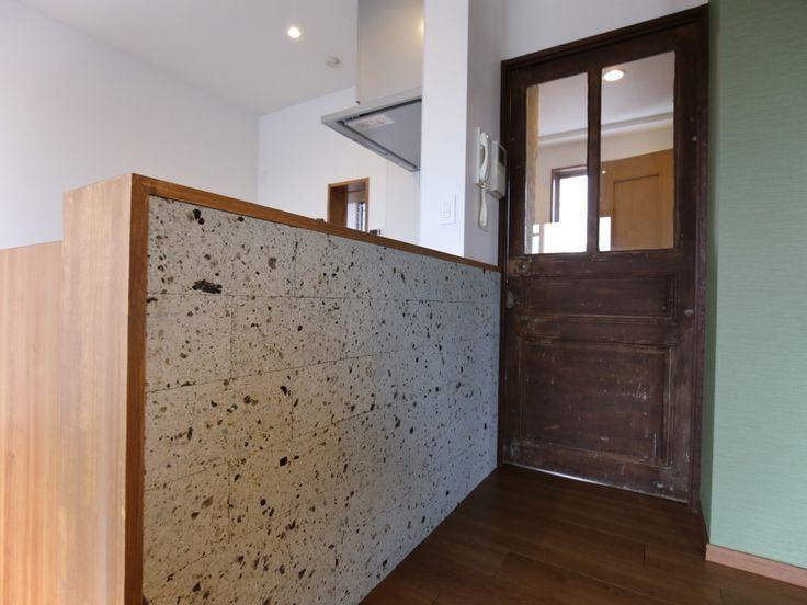 シンディーさんの長江陶業の調理台・カウンター『大谷石で仕上げられたキッチンカウンター』(5696-1)