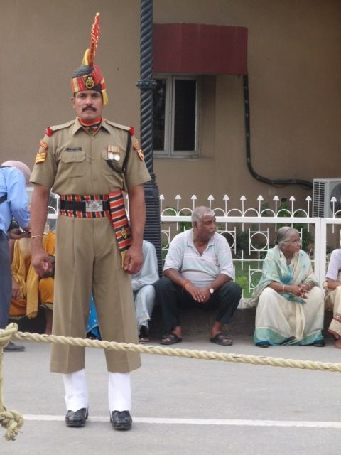 Indian guard at the border with Pakistan