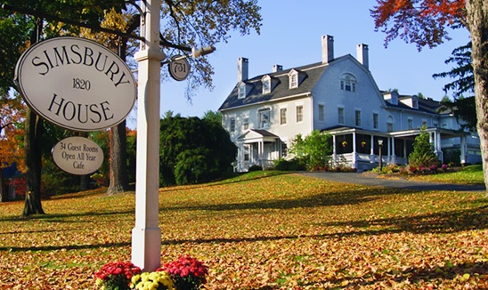 Historic Simsbury 1820 House Bed & Breakfast