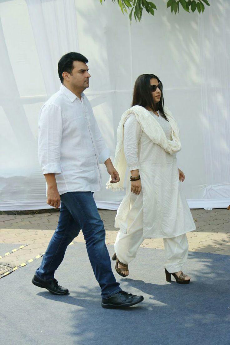 Bollywood celebs paid last tribute to RIP Sridevi