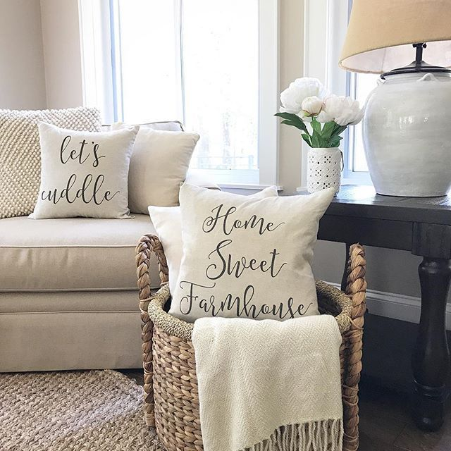 T H U R S D A Y. You know what that means, y'all. We're on the downward slope. Kids get out for summer tomorrow and we are beyond excited. I hope you're having a great day. . . Sharing for some sweet friends who tagged me: •Jessica @jstoppard_designs #mydecorwednesday •Sara @sahanson #makesmesmilethursday •Julie @myfarmhousegrounds #farmhousehappy •Michelle @thecozyfarmhouse #thursdaypillowtalk •Beth @homedecormomma #mydesignedhome •Crystal @whitewalls_reddirt #bragworthybaskets . These…