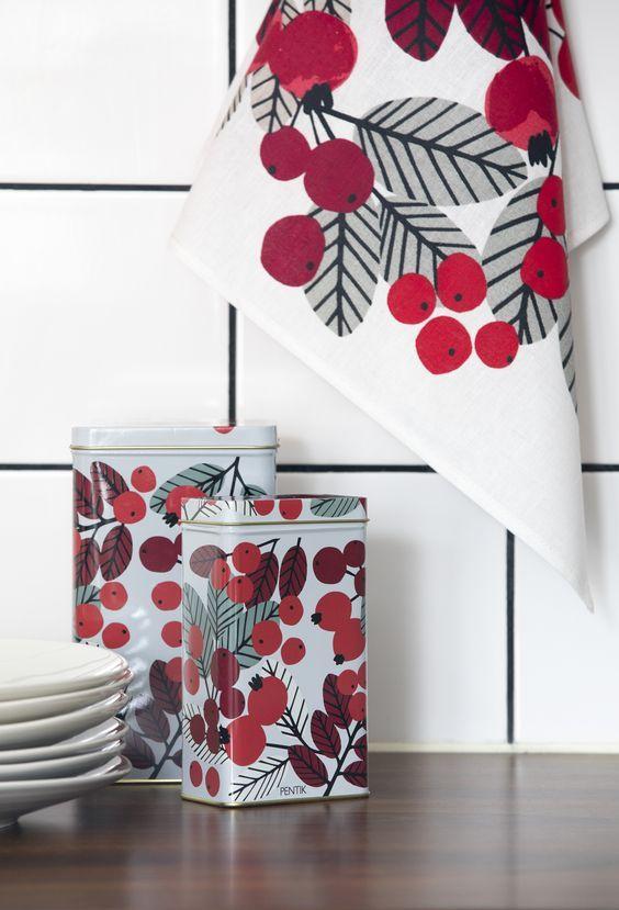 Ruusunmarja Kitchen Towel | Pentik Christmas 2017 |