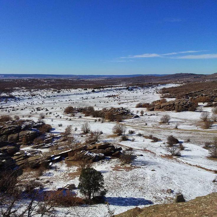 """Winter is coming..."" #campillodedueñas #guadalajara #castillalamancha #españa #spain #europa #europe  #snow #winter #nieve #invierno #diciembre #december #landscape #landscapelover #landscaper #goodmorning #gutenmorgen #bonjour #buenosdias #likeforlike #like4like #liker #travel #traveling #visiting #excursion"