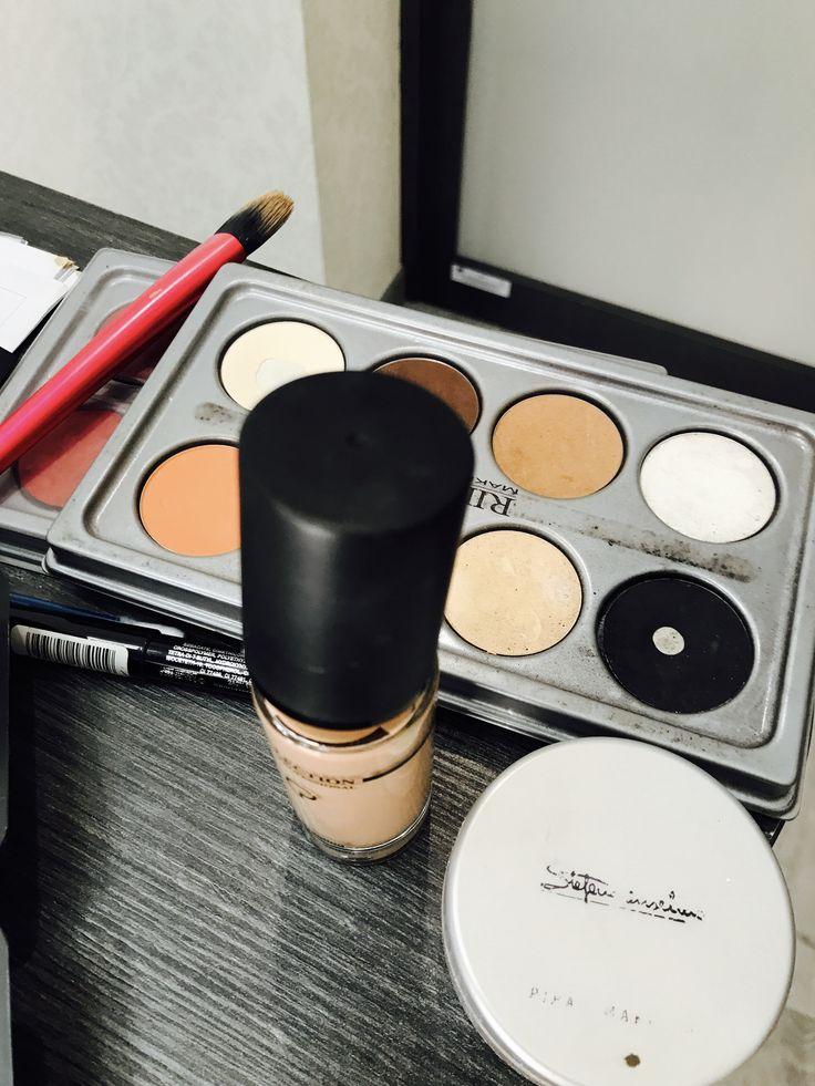 Make Up Artist Enza Ragone del centro https://m.facebook.com/mirabeautylabaltamura/ Elvirita Tortorelli #makeup #instamakeup #cosmetic #cosmetics #TagsForLikes #TFLers #fashion #eyeshadow #lipstick #gloss #mascara #palettes #eyeliner #lip #lips #tar #concealer #foundation #powder #eyes #eyebrows #lashes #lash #glue #glitter #crease #primers #base #beauty #beautiful
