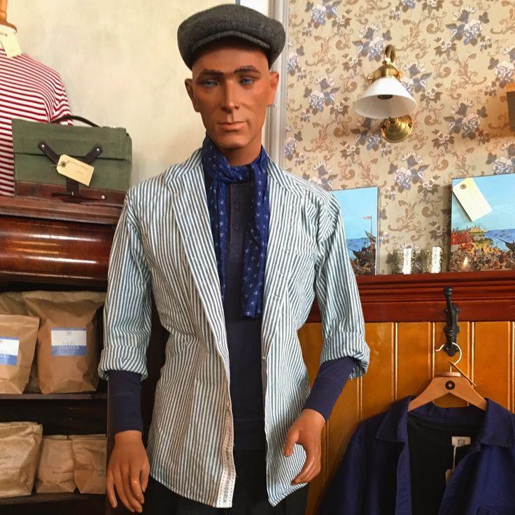Skjorte fra Lee Valley - syet efter den traditionelle model -  vi fører 6 farver/mønstre og 5 størrelser - mon ikke der også er en der passer dig? #leevalleyskjorte #bondeskjorte #bonderøv #traditionelttøj #vintagetøj #vintageclothing