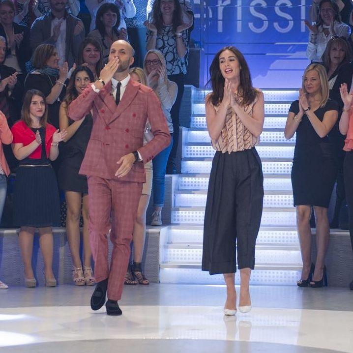 Stupenda Silvia Toffanin con i pantaloni Mantù nella puntata di sabato 23/04/16 a Verissimo # mantù #sprintime #trousers #silviatoffanin #verissimo