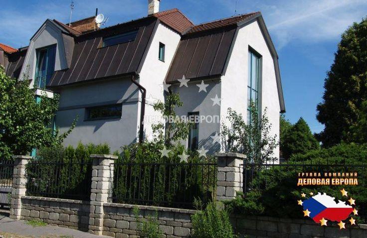НЕДВИЖИМОСТЬ В ЧЕХИИ: продажа дома / 3-комн., Прага, Pod Vidoulí, 570 000 € http://portal-eu.ru/doma/3-komn/realty148/  Мы предлагаем семейный дом в зеленом районе Праги 5 Йиноницах после реконструкции, планировкой 3+1. Полная реконструкция была произведена в 2011 году по проекту известного архитектора. Дом расположен в жилом районе, недалеко от природного заповедника Прокопская долина, Видоула и лесопарка Цибулка.5 минут пешком до метро, 2 минуты до автобуса. Торговая галерея Бутовице в 5…