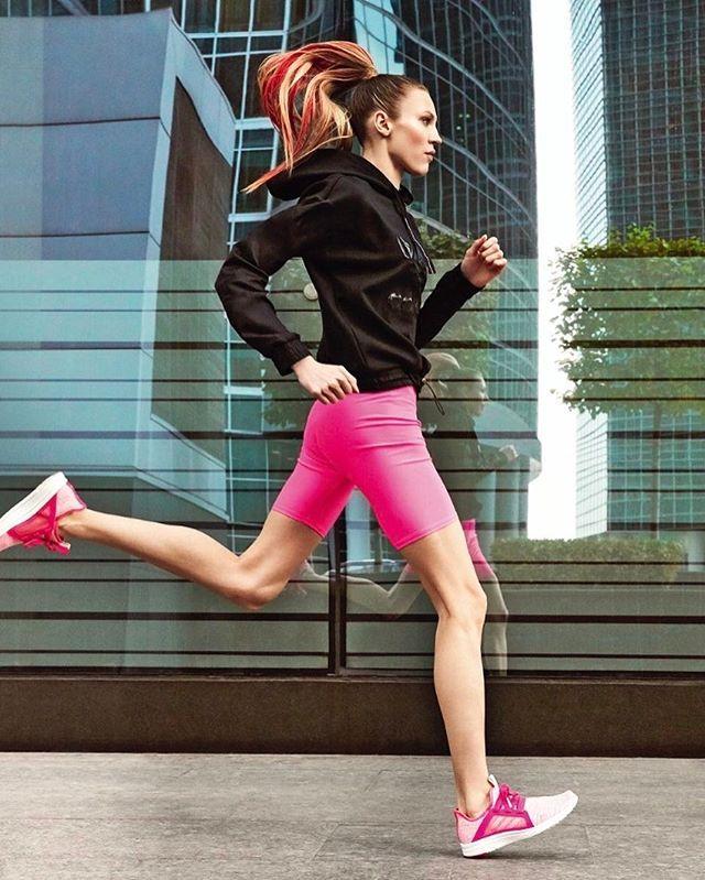Run girl run! Photo: @EmmieAmerica Style: @_Sedova./ До благотворительного марафона Натальи Водяновой @NataSupernova остается ровно месяц - вы ещё успеете подготовиться с помощью гида по бегу Vogue. В майском номере  одежда и кроссовки техника бега от экспертов советы по питанию лучшие косметические средства.  via VOGUE RUSSIA MAGAZINE OFFICIAL INSTAGRAM - Fashion Campaigns  Haute Couture  Advertising  Editorial Photography  Magazine Cover Designs  Supermodels  Runway Models