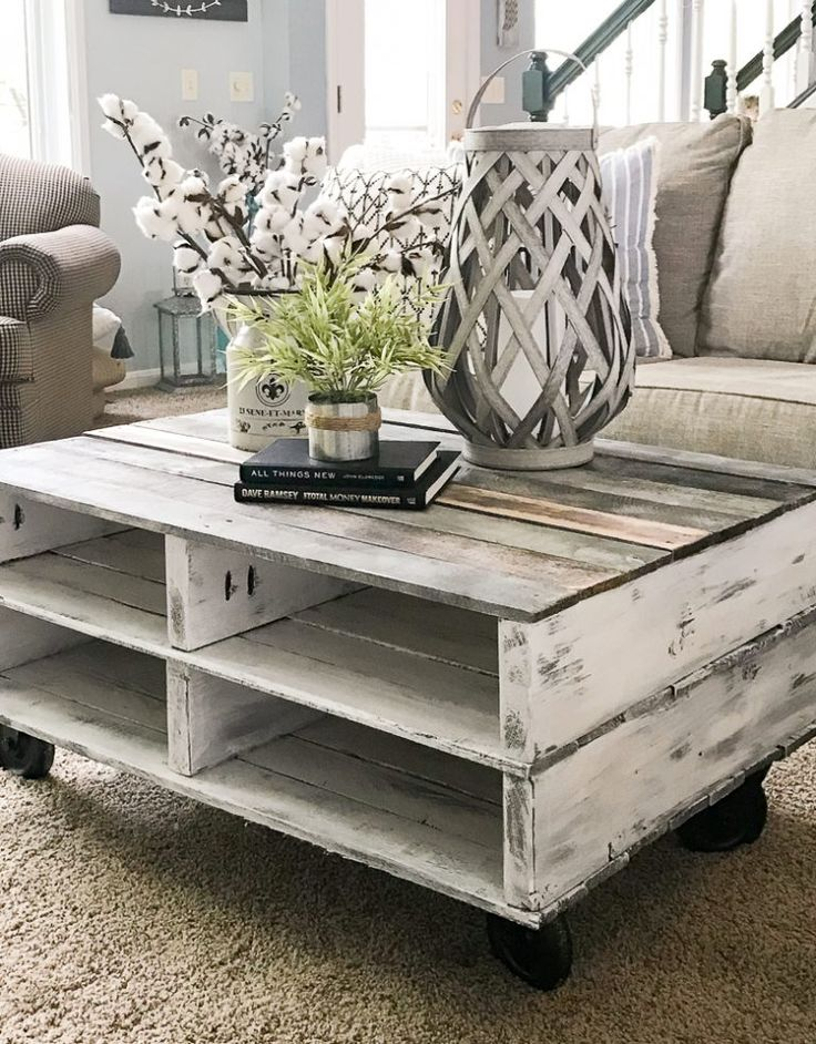 How to Make a Farmhouse Pallet Coffee Table