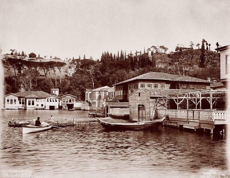 Beykoz kıyıları 1890'lar...kanlıca...mihrabat korosu, körfezin olduğu kısım FSM köprüsü civarı.