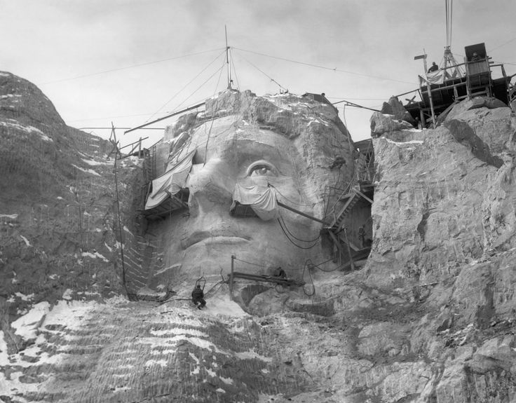 ... images from the construction of Mount Rushmore