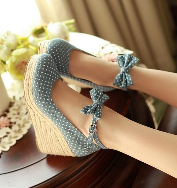 Spring and summer wave point fashion high heels Teamed with a summer frock or quarter jeans... Cute