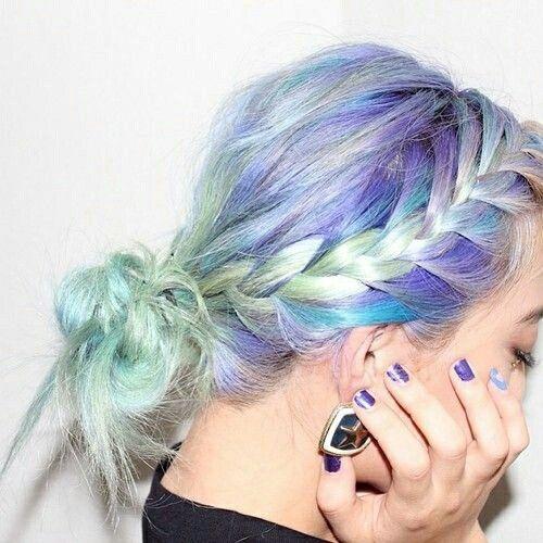 Prinses uit haar bed haar paars en blauwe tinten