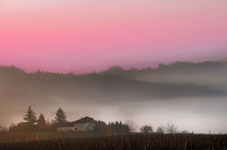 A #romantic #sunset in the heart of #Piedmont. Monferrato: discover it.  Un #romantico #tramonto nel cuore del #Piemonte. Il Monferrato: un luogo da scoprire.