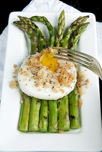 Grilled Asparagus w/Poached Egg & Toast Crumbles (ditch the toast crumbles, replace w/ toasted diced almond bits?)