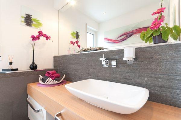 grau rosa akzente badezimmer