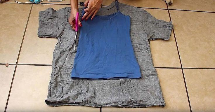 Теперь я могу сделать платье, не сшивая его! Чтобы воплотить эту блестящую идею в жизнь, тебе понадобится только футболка большого размера, ножницы и специальный клей для ткани. В любом доме наверняка…