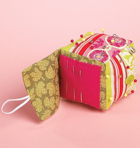 Cube pin cushion with needle keeper ( McCalls pattern m6374)
