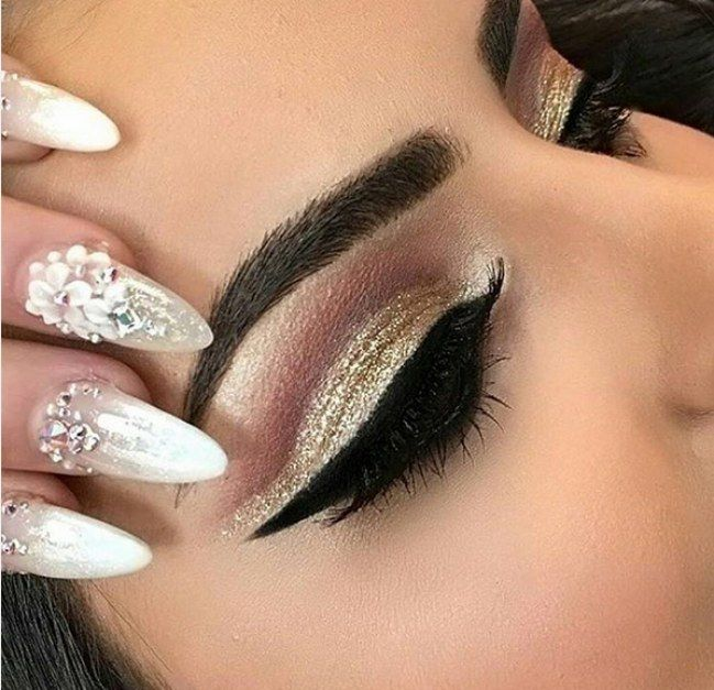 Le maquillage oriental a toujours été une source d\u0027inspiration pour les  beautistas. Et