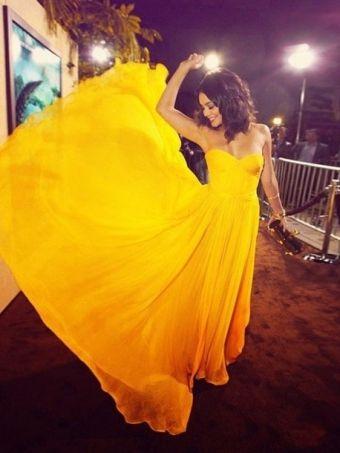 Simple yellow chiffon sweetheart prom dress