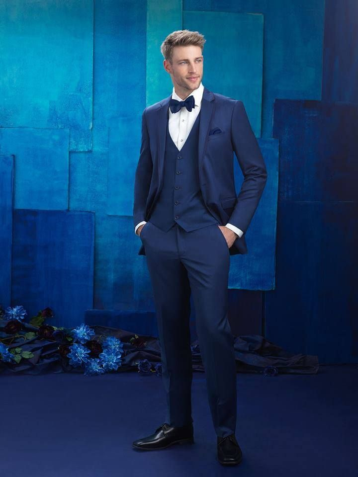 A suit set is such a gorgeous choice for your wedding attire! You will receive a jacket, pants, shirt, vest, and a tie! Are you ready to find your perfect outfit? http://tuxedojunction.com/  #suit #suitset #suitrental #wedding #groomsattire #tie #vest #tuxrental #tuxedojunction #groom #groomsmen