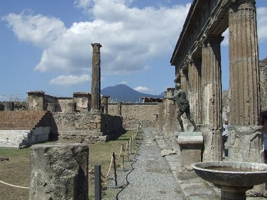 Temple of Apollo, Pompeii - The temple, was dedicated to ...