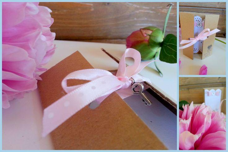 Pink polka dot wedding invitation with key by www.svatbyodvery.cz
