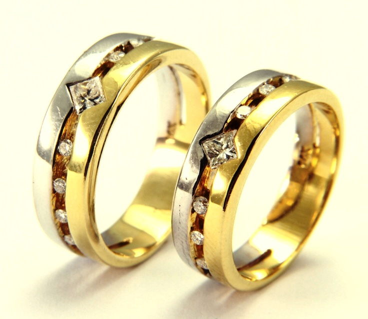 Alianzas de oro blanco y amarillo con diamantes