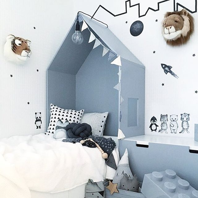 Such a cool room at @nr13b Animal friends & space adventure is the perfect match And that bed, wow❕ We only got few rockets left in stock. Go grab stickstay.se Thank you sweet @nr13b for letting us share your lovely pic ➖➖➖➖➖➖➖➖➖➖ #stickstay #stickers #wallstickers #barnrum #kidsroom #barnrumsinredning #kidsdecor #finabarnsaker #kidsinterior #kidsdesign #barneroom #inspirationforpojkar #kidsinspo #kidsdeco #kidsperation #walldecals #decals #decorforkids #rocket #moon #housebed