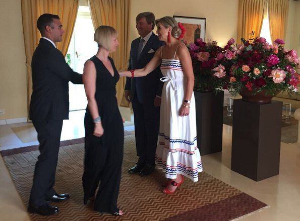 On June 22, 2017, Queen Maxima and King Willem Alexander attended a reception in Rome, Italy, which is organized by the Dutch-Italy Community Association. Queen Maxima wore a linen maxi dress by LISA MARIE FERNANDEZ.